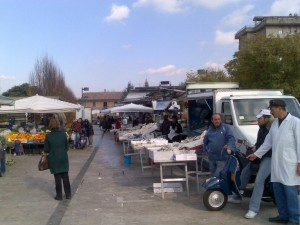 mercato-acacie1