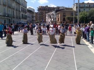 bimbi-in-piazza1