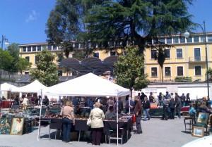 mercatino-via-roma2
