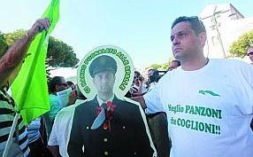 vincenzo-spagnuolo-protesta