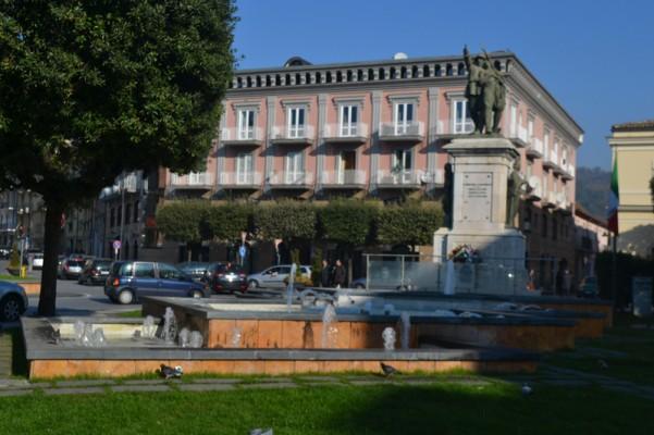 fontane-monumento-piazza-umberto-i