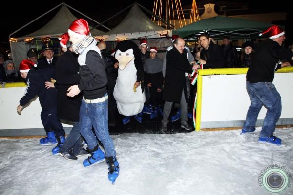 inaugurazione pista ghiaccio