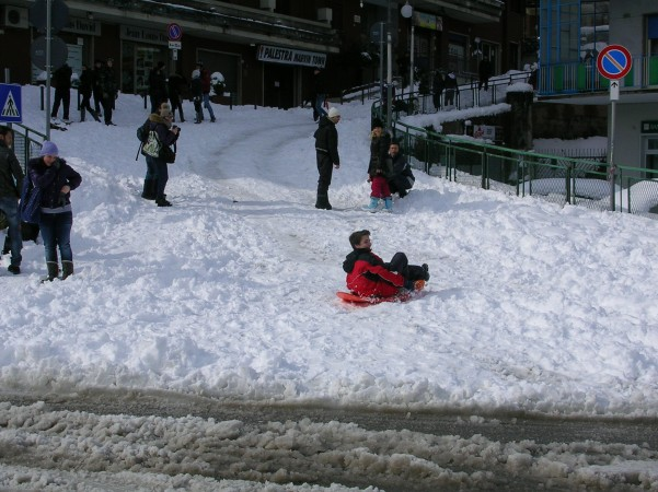 neve piazza umberto