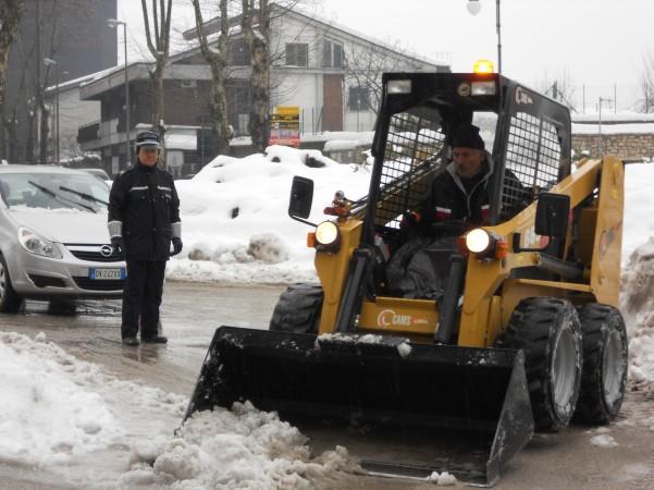 emergenza-neve-bobcat-in-azione