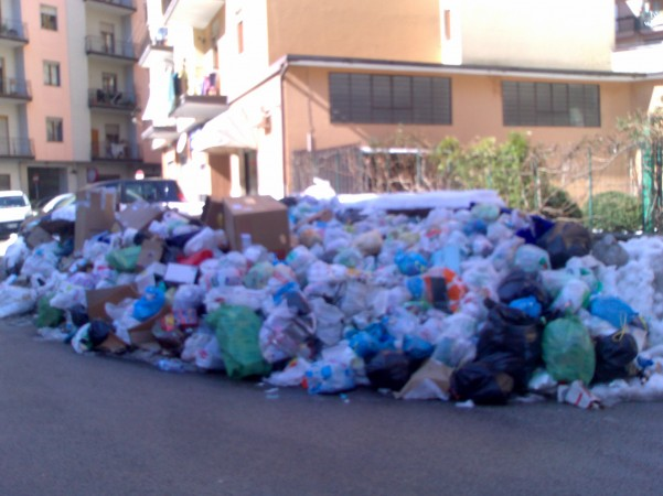 emergenza-neve-raccolta-rifiuti-a-rilento