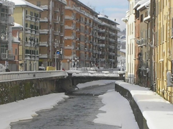 neve-fiume-sabato1