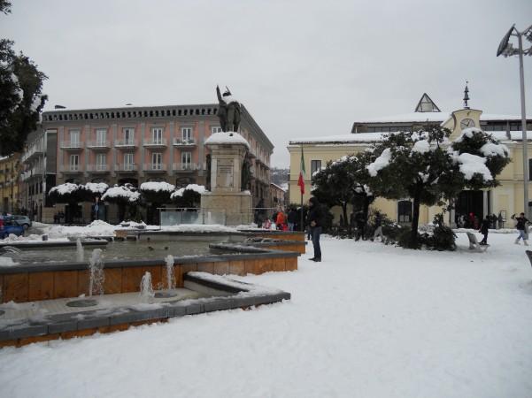 neve-monumento-ai-caduti