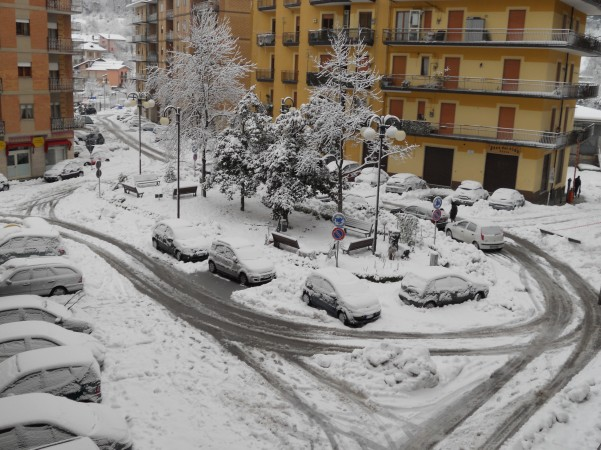nevicata-lunedi-6-febbraio-piazza-cassese