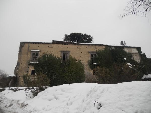 palazzo-caracciolo-la-neve-piega-il-tetto11