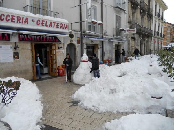 pupazzo-di-neve-in-piazza