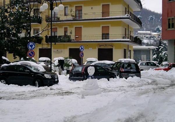 pupazzo-di-neve-piazza-cassese