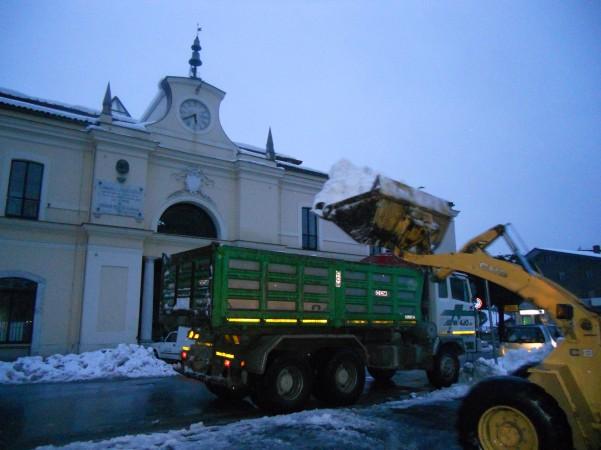 rimozione-neve-dalla-piazza