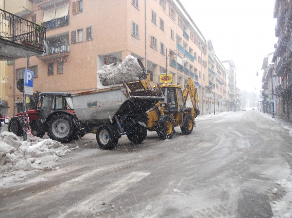 rimozione-neve-in-via-roma4
