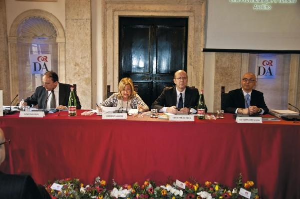il-tavolo-dei-relatori