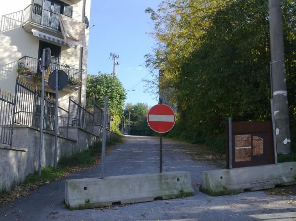 strada-chiusa-palazzo-caracciolo