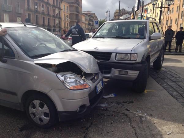 incidente-via-aversa-1