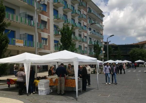 mercatino-in-piazza