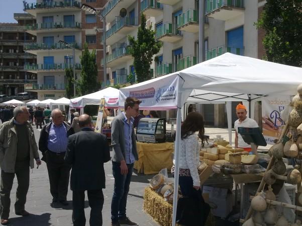 mercatino-in-piazza1