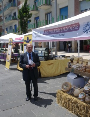 mercatino-in-piazza4