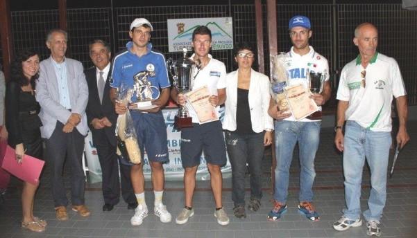 irpinia bike team-premiazione-del-vincitore-centofanti