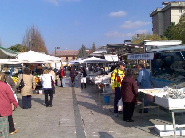 mercato-acacie2