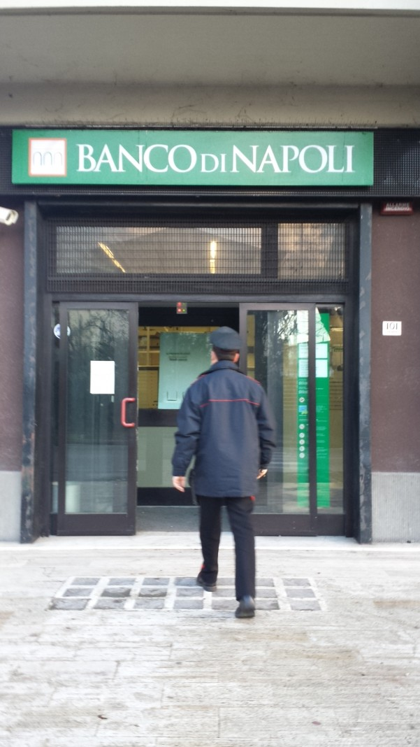 furto-banco-napoli3