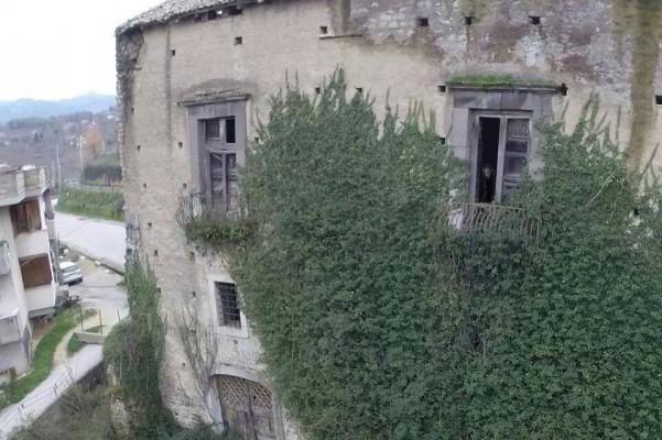palazzo-caracciolo-fantasma