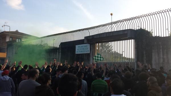 tifosi-sud-al-porta-carraia-stadio-partenio