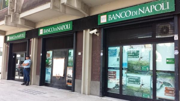 rapina-banco-napoli-maggio2014-3