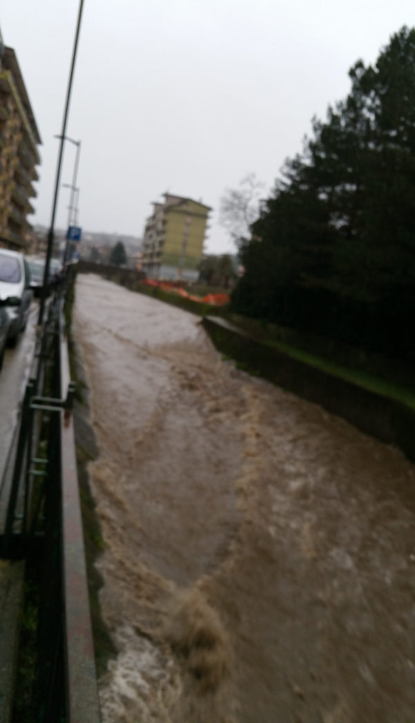 Maltempo, fiume Sabato in piena