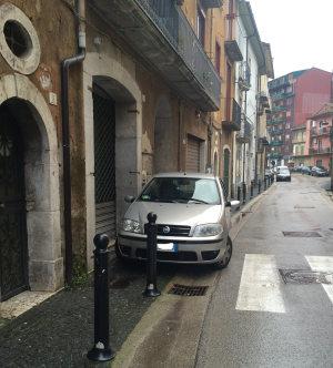 Sosta vietata in via Cammarota