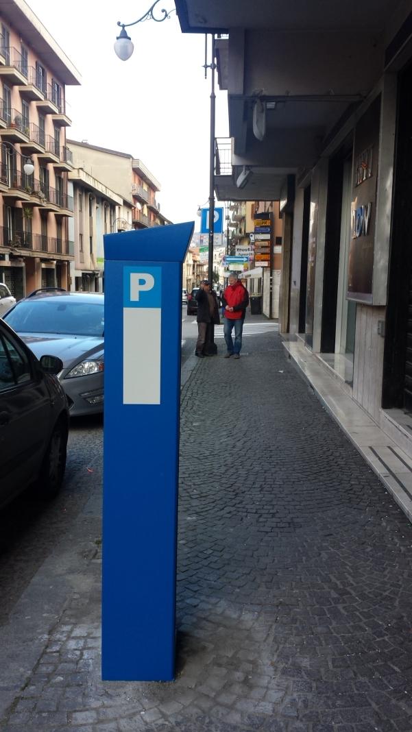 Parcometri, in via Roma 1