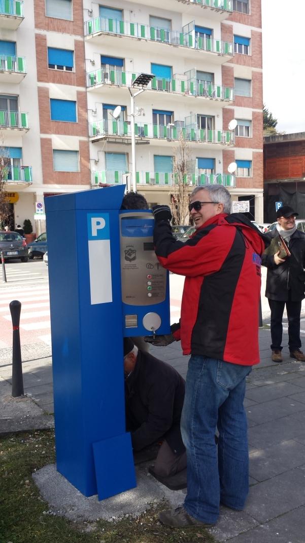 Parcometri, installazione in piazza Umberto