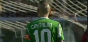 Castaldo di spalle