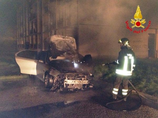 Incendio auto 002
