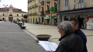Mercato, misurazione in piazza4