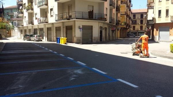 Strisce blu in piazza Cassese3