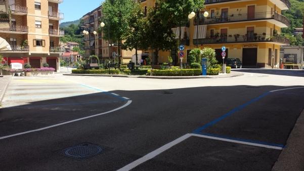 Strisce blu in piazza Cassese4