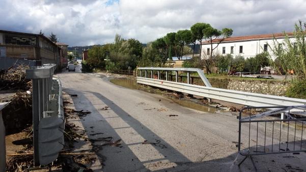 Maltempo ottobre 2015, ponte delle Filande3