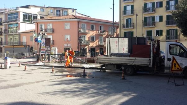 Nuova pensilina in via Roma