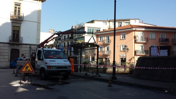 Nuova pensilina in via Roma1