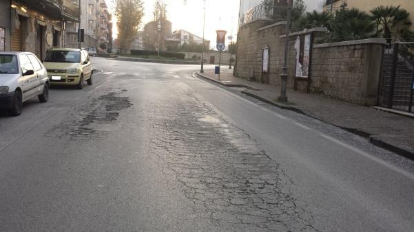 Via Roma buche