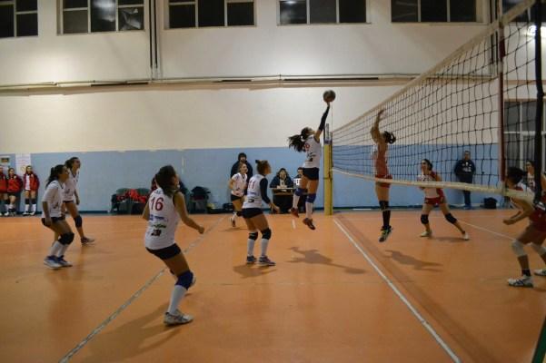 under 18 green volley