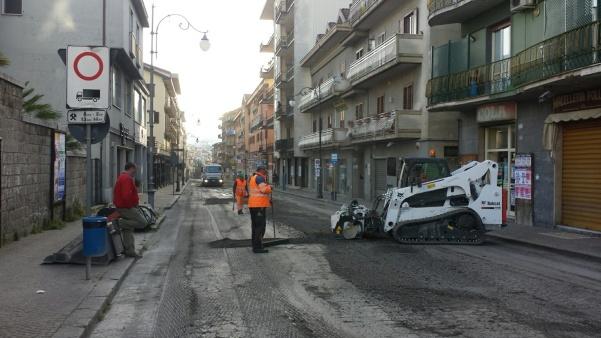 Lavori strade via Roma1