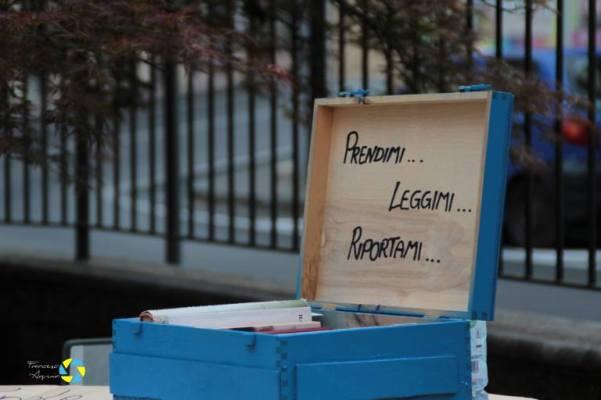 cassetta blu per booksharing