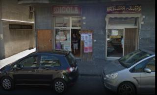 edicola via roma