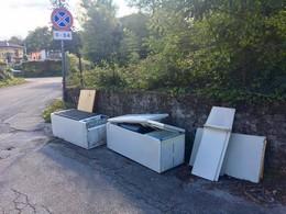 frigoriferi-abbandonati-in-via-cesinali