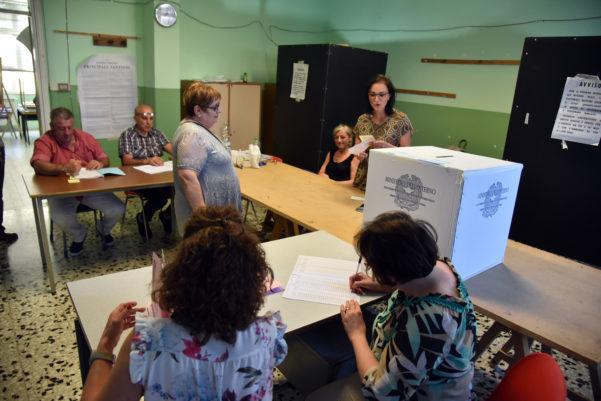 Elezioni amministrative: flop del M5S nelle grandi città