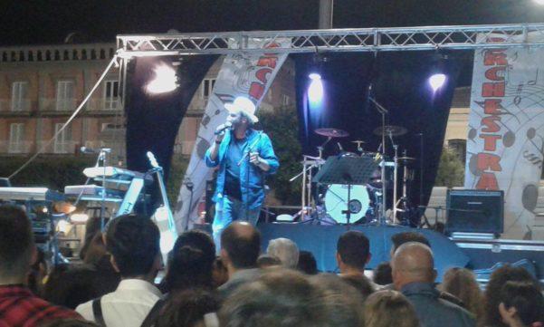 Atripalda, troppa gente in piazza: sospeso il concerto di Tony Tammaro