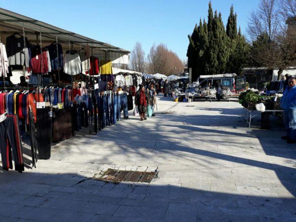 Al via il cronoprogramma per l'accorpamento del mercato settimanale di Atripalda a parco delle Acacie: si assegnano le postazioni - Atripalda News